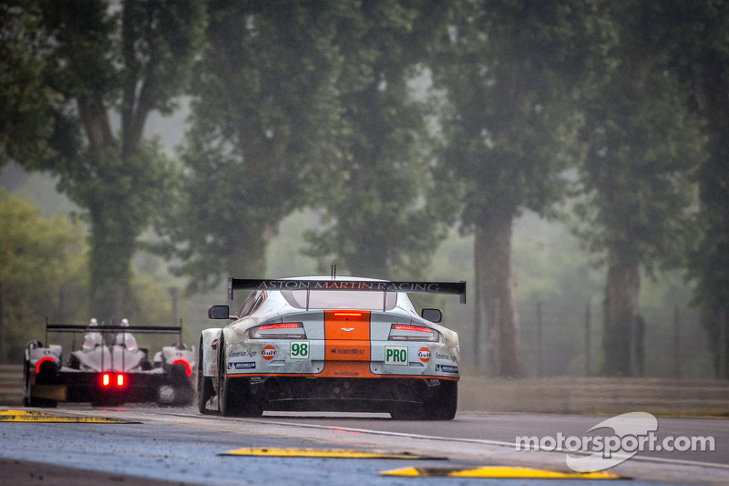 #98 Aston Martin Racing Aston Martin Vantage GTE: Bill Auberlen, Paul Dalla Lana, Pedro Lamy, Richie Stanaway