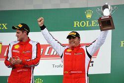 Trofeo Pirelli pódio: vencedor Onofrio Triarsi, terceiro colocado Emmanuel Anassis