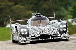 Timo Bernhard testet den neuen Porsche LMP1