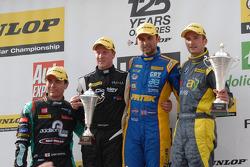 Round 12 Podium: 1e plaats Andrew Jordan, 2e plaats Colin Turkington, 3e plaats Adam Morgan, Jack Se