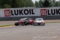 Robert Huff, SEAT Leon WTCC, ALL-INKL.COM Munnich Motorsport e Mehdi Bennani, BMW E90 320 TC, Protea