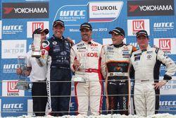 Yvan Muller, Tom Coronel, BMW E90 320 TC, ROAL Motorsport, Norbert Michelisz, Honda Civic, Zengo Motorsport