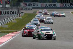 Gabriele Tarquini, Honda Civic, Honda Racing Team J.A.S. leads James Thompson, Lada Granta, LADA Sport Lukoil