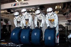 Mecánicos de Timo Glock, BMW Team MTEK BMW M3 DTM