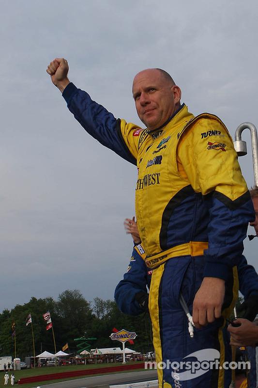 GT vencedor Paul Dalla Lana