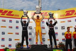 1er Ryan Hunter-Reay, 2e Helio Castroneves,3e Will Power