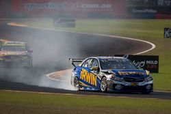 Problemaa para Lee Holdsworth, Erebus Motorsport