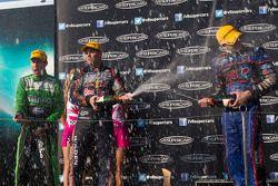 Race winner Craig Lowndes, Red Bull Holden
