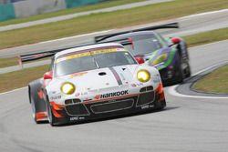 #33 Hankook KTR Porsche 911 GT3 R: Masami Kageyama, Tomonobu Fujii