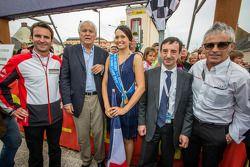Romain Dumas, Jean-Claude Boulard, François Fillon, Miss 24 Heures du Mans 2013 et Rinaldo Capello