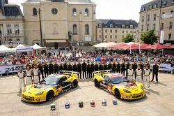 #70 Larbre Compétition Corvette C6.R: Philippe Dumas, Manuel Rodrigues, Cooper MacNeil, #50 Larbre C