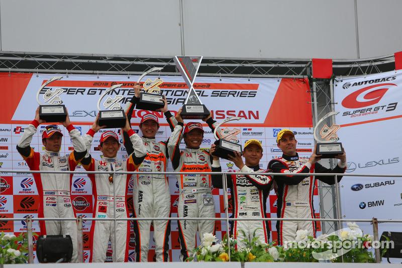 Podium GT300 : Shinichi Takagi, Takashi Kobayashi