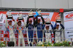 GT500 pódio: vencedores da prova Tsugio Matsuda, Joao Paulo de Oliveira