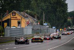 El #12 Rebellion Racing Lola B12/60 Coupe Toyota: Nicolas Prost, Neel Jani, Nick Heidfeld siguen a u