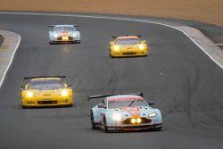 El #95 Aston Martin Racing Aston Martin Vantage GTE: Allan Simonsen, Christoffer Nygaard, Kristian Poulsen en su última vuelta