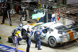 Pit stop for #99 Aston Martin Racing Aston Martin Vantage GTE: Rob Bell, Frédéric Makowiecki, Bruno