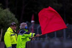 Le warm-up se finit sous drapeau rouge