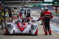 Pit stop #42 Greaves Motorsport Zytek Z11SN Nissan: Lucas Ordonez, Jann Mardenborough, Michael Krumm