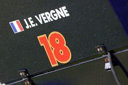 Jean-Eric Vergne, Scuderia Toro Rosso STR8 logo