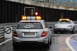 FIA Güvenlik Aracı ve FIA Tıbbi araç, pit lane exit