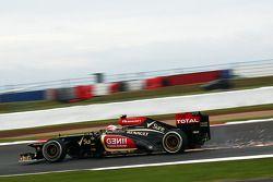 Sparks flying from Romain Grosjean, Lotus F1 E21