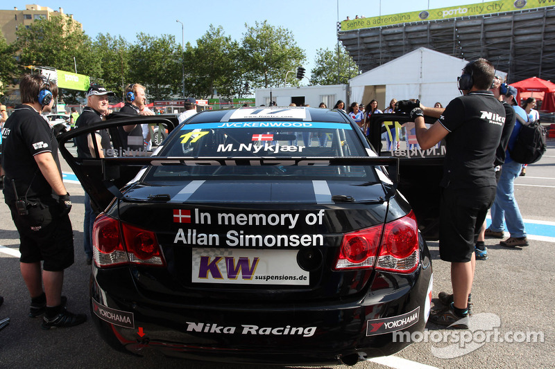 Michel Nykjaer, Chevrolet Cruze 1.6T, Nika Racing rinde homenaje a Allan Simonsen