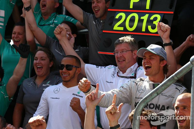 Lewis Hamilton, Mercedes AMG F1 with Ross Brawn, Mercedes AMG F1 Team Principal and Nico Rosberg, Mercedes AMG F1 W04
