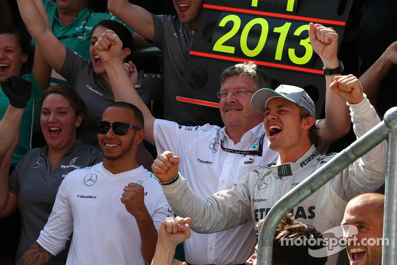 Lewis Hamilton, Mercedes AMG F1 with Ross Brawn, Mercedes AMG F1 Team Principal and Nico Rosberg, Me