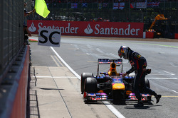 Sebastian Vettel, Red Bull Racing retires from the race