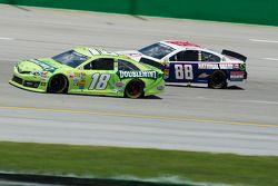 Kyle Busch en Dale Earnhardt Jr.