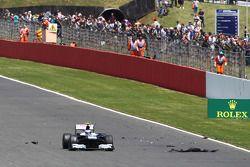 Valtteri Bottas Williams FW35 ve tyre debris