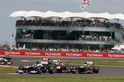 Valtteri Bottas Williams FW35 ve Mark Webber Red Bull Racing RB9 ve Esteban Gutierrez Sauber C32