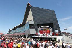 Podyum Mark Webber Red Bull Racing, 2.; Nico Rosberg Mercedes AMG F1, Yarış galibi; Fernando Alonso