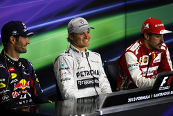 Mark Webber Red Bull Racing, Nico Rosberg Mercedes AMG F1 et Fernando Alonso Ferrari