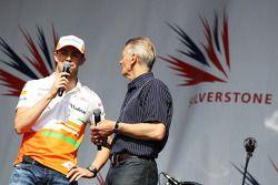 Paul di Resta Sahara Force India F1 y Tony Jardine en el concierto tras la carrera