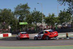 Yvan Muller, Chevrolet Cruze 1.6T, RML, e Tom Chilton, Chevrolet Cruze 1.6 T, RML