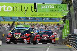 Robert Huff, SEAT Leon WTCC, ALL-INKL.COM Munnich Motorsport en Marc Basseng, SEAT Leon WTCC, ALL-IN