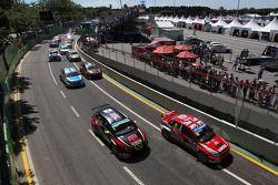 Robert Huff, SEAT Leon WTCC, ALL-INKL.COM Munnich Motorsport e James Thompson, Lada Granta, LADA Es