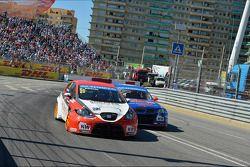 Hugo Valente, SEAT Leon WTCC, Campos Racing e Fredy Barth, BMW E90 320 TC, Wiechers-Sport