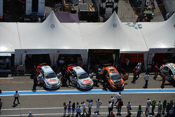 Tom Chilton, Chevrolet Cruze 1.6T, RML e Norbert Michelisz, Honda Civic, Zengo Motorsport