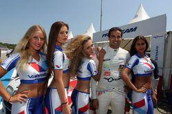 Mehdi Bennani, BMW E90 320 TC, Proteam Racing e Grid Girls