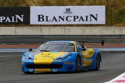 #123 Team Ukraine: Ruslan Tsyplakov, Andrii Kruglik, Raffaele Giammaria, Ferrari 458 Italia