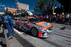 Maro Engel, SP Tools Racing maakt een pitstop in Townsville