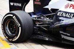 Williams FW35 met flow-vis paint op de achterwielophanging