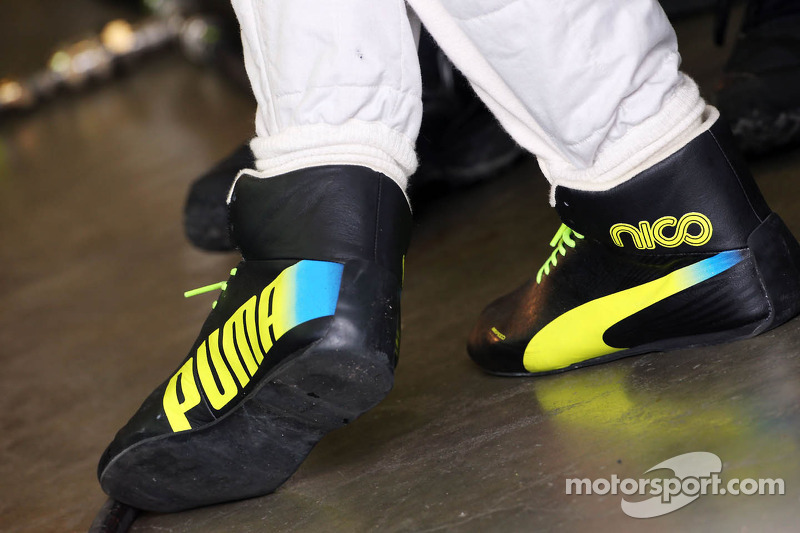 c4d77666d4b The Puma racing boots of Nico Rosberg