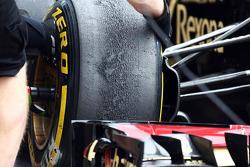 Versleten Pirelli band op een Lotus F1 E21