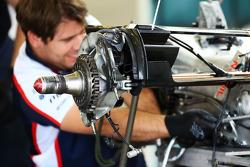 Williams FW35 rear wheel hub