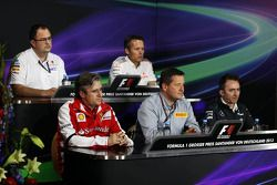 Sam Michael, McLaren ; Pat Fry, Ferrari ; Paul Hembery, Pirelli ; Paddy Lowe, Mercedes AMG F1