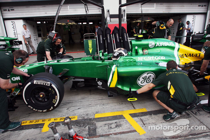 Giedo van der Garde, Caterham CT03 in the pits