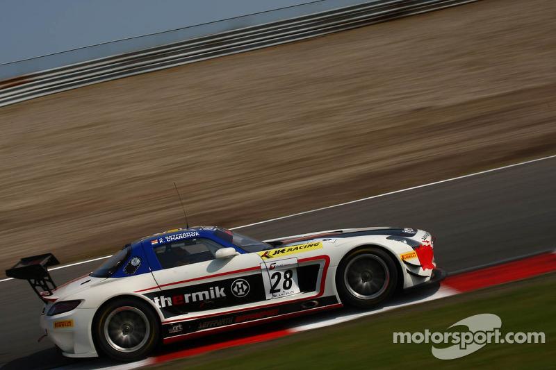 #28 Seyffarth Motorsport Mercedes SLS AMG GT3: Karun Chandhok, Jan Seyffarth